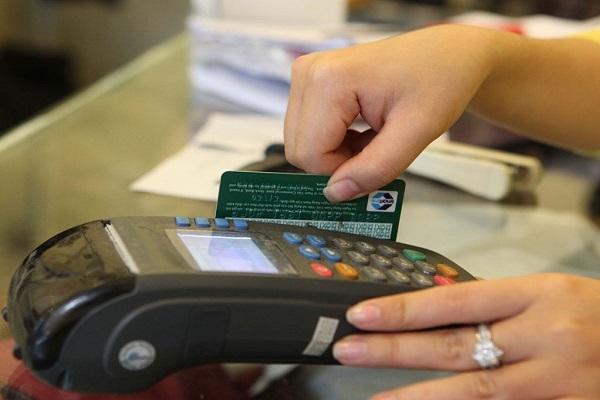 quet-the-visa-debit-nhanh-chong