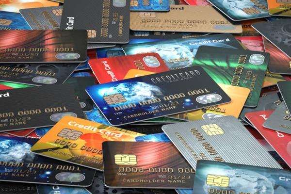 Giữ bảo mật thông tin thẻ tín dụng cẩn thận, tránh kẻ gian đánh cắp