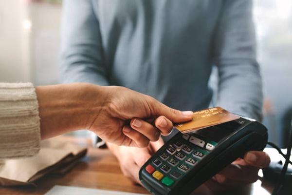 Nhận nhiều ưu đãi hấp dẫn từ 10 - 20% khi sử dụng thẻ Vietcombank