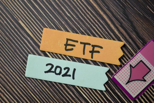Chứng chỉ quỹ ETF là gì? Các loại chứng chỉ quỹ ETF sinh lời tốt nhất năm 2021